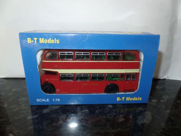 B T Models B114A 1/76 OO Scale Bristol Lodekka LD Bus Closed Back Red & White route 76 Beachley
